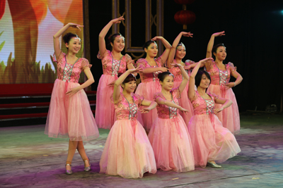 基建幼儿园《春天的芭蕾》