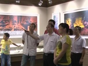 宜昌市民走进博物馆 缅怀烽火岁月