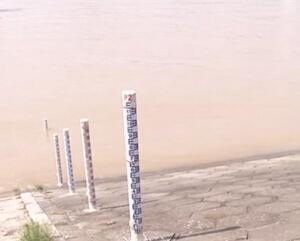 三峡大坝今年首次泄洪 最大洪峰过境