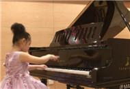 钢琴之城 万余名青少年感受音乐之美