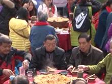 """长阳""""万人年猪宴""""引来四方游客"""