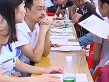 中考招生咨询会举办 中职学校受青睐