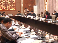 宜昌市领导听取政协各组讨论意见